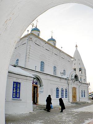 Божественная литургия в введенском кафедральном соборе г чебоксары